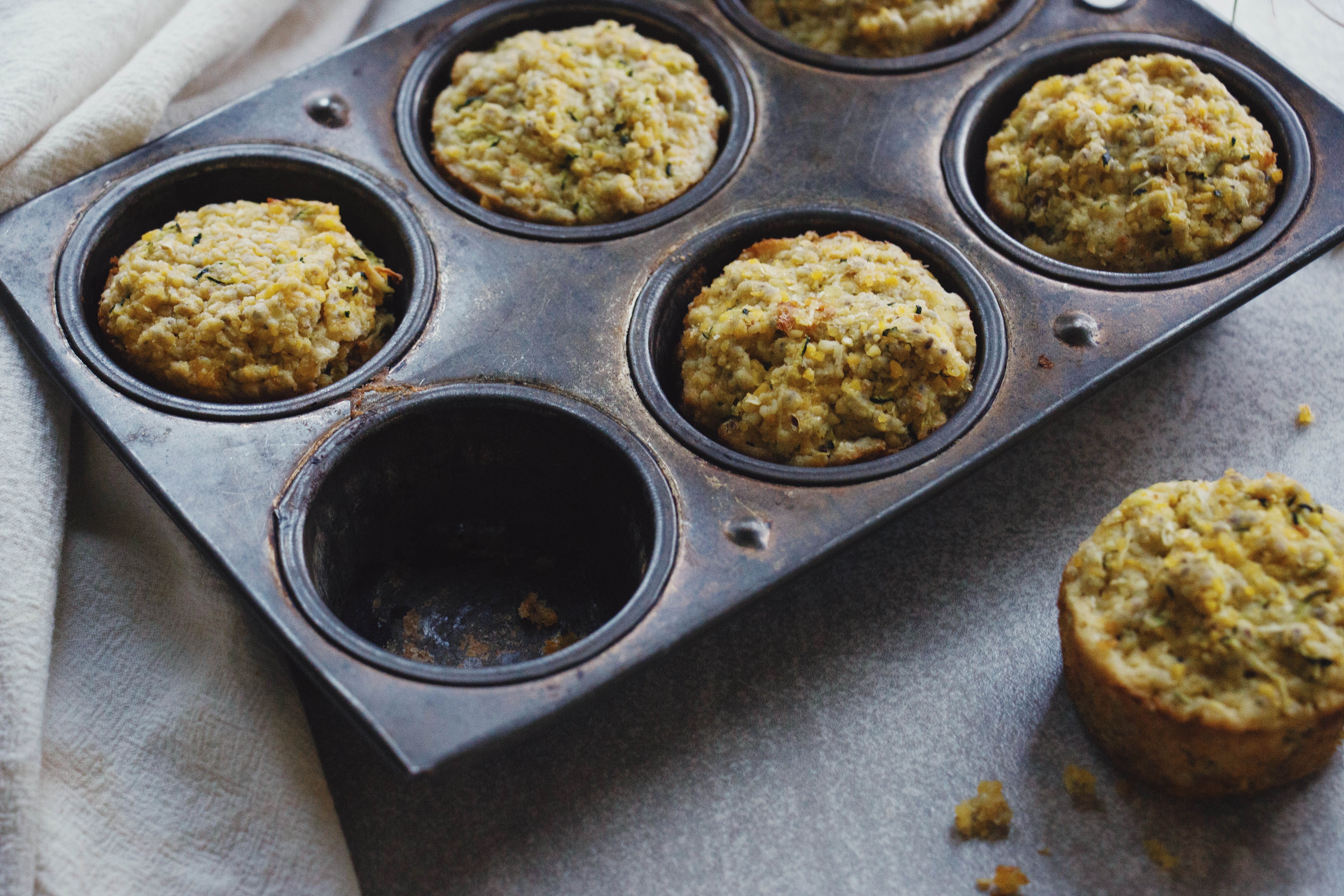 Cornbread Muffins with Zucchini and Chili Flakes