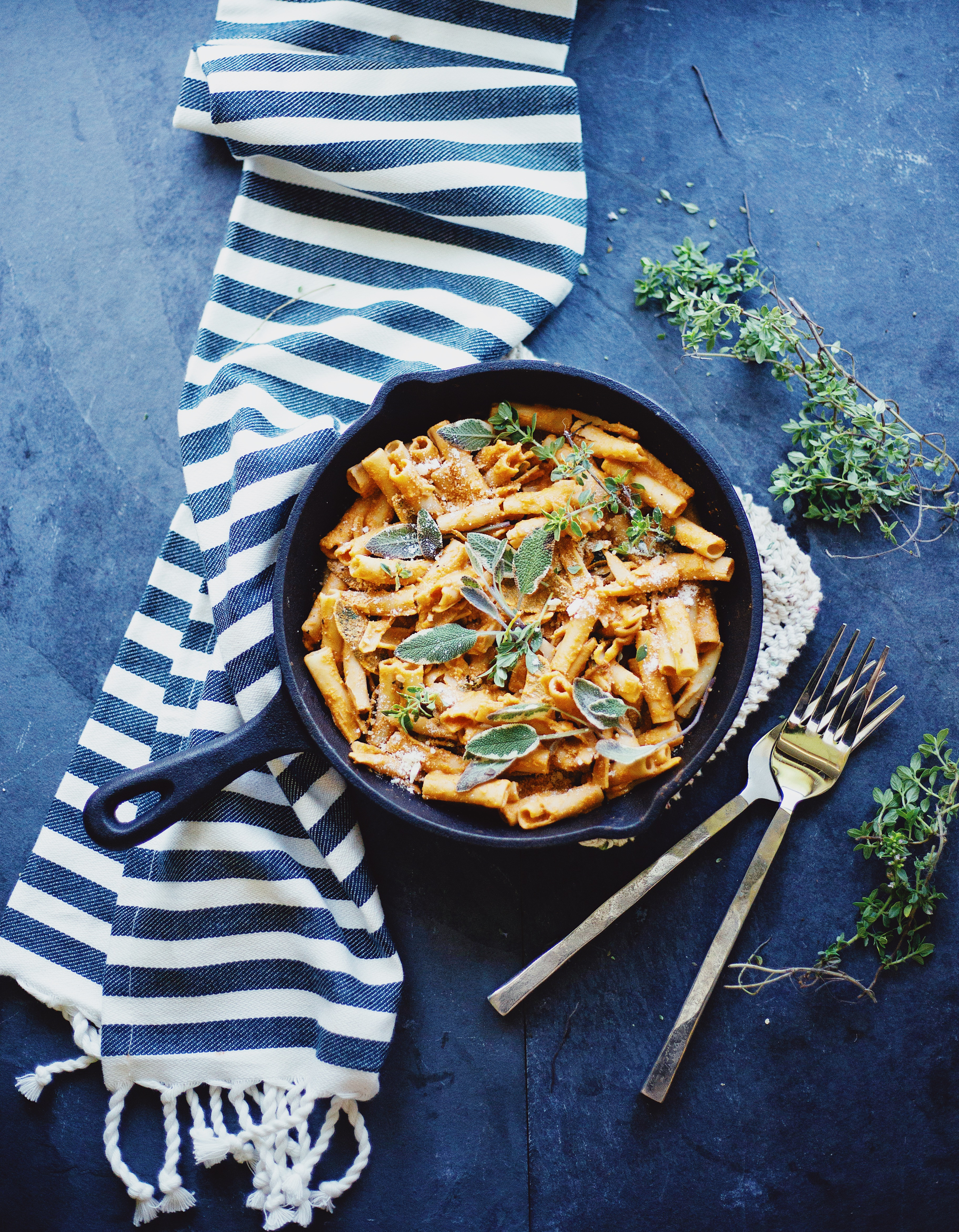 Healthy Roasted Red Pepper & Herbs Pasta Recipe