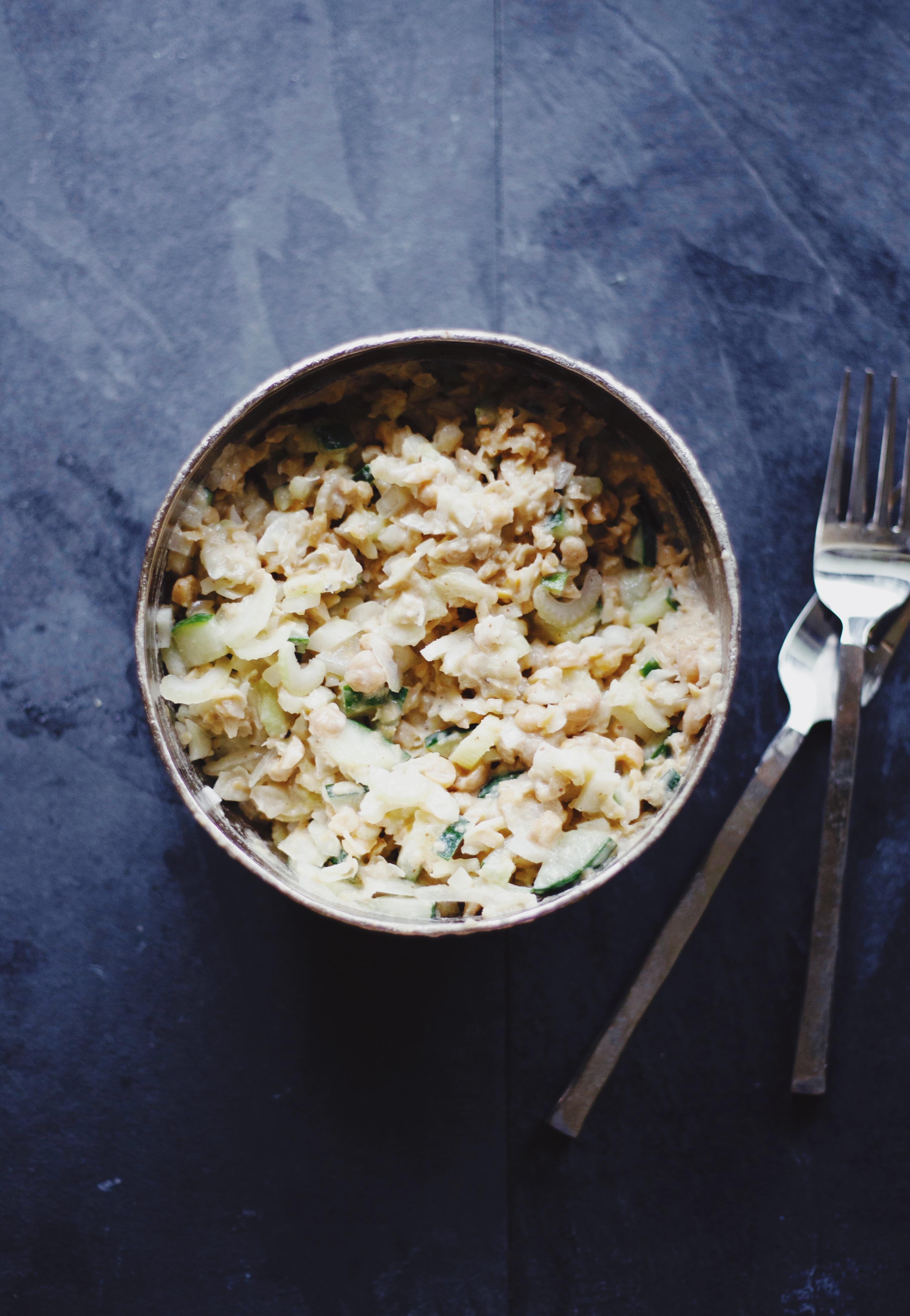 Healthy chickpea salad recipe. Vegan and gluten free