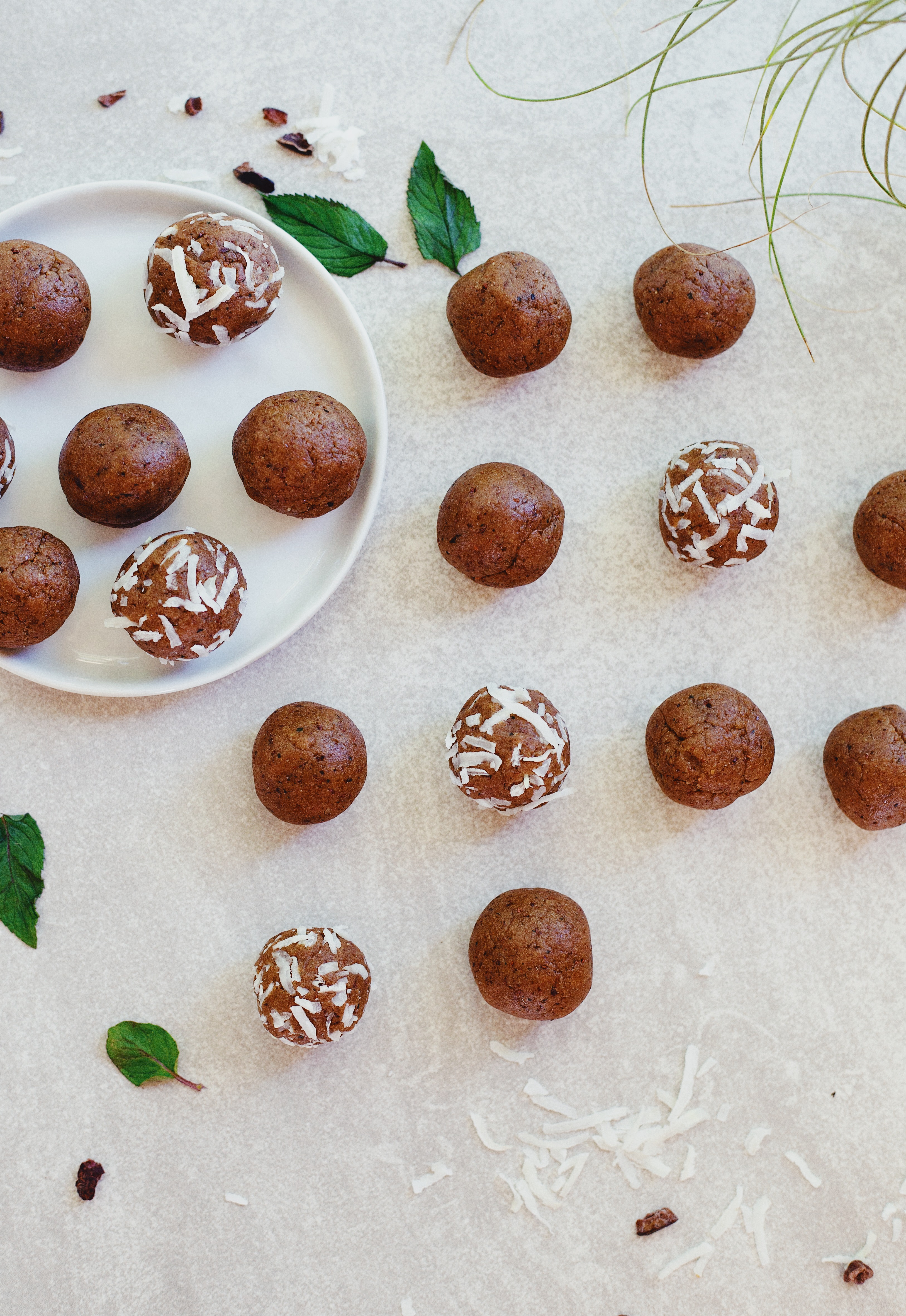 Mint Chocolate Cake Balls Recipe