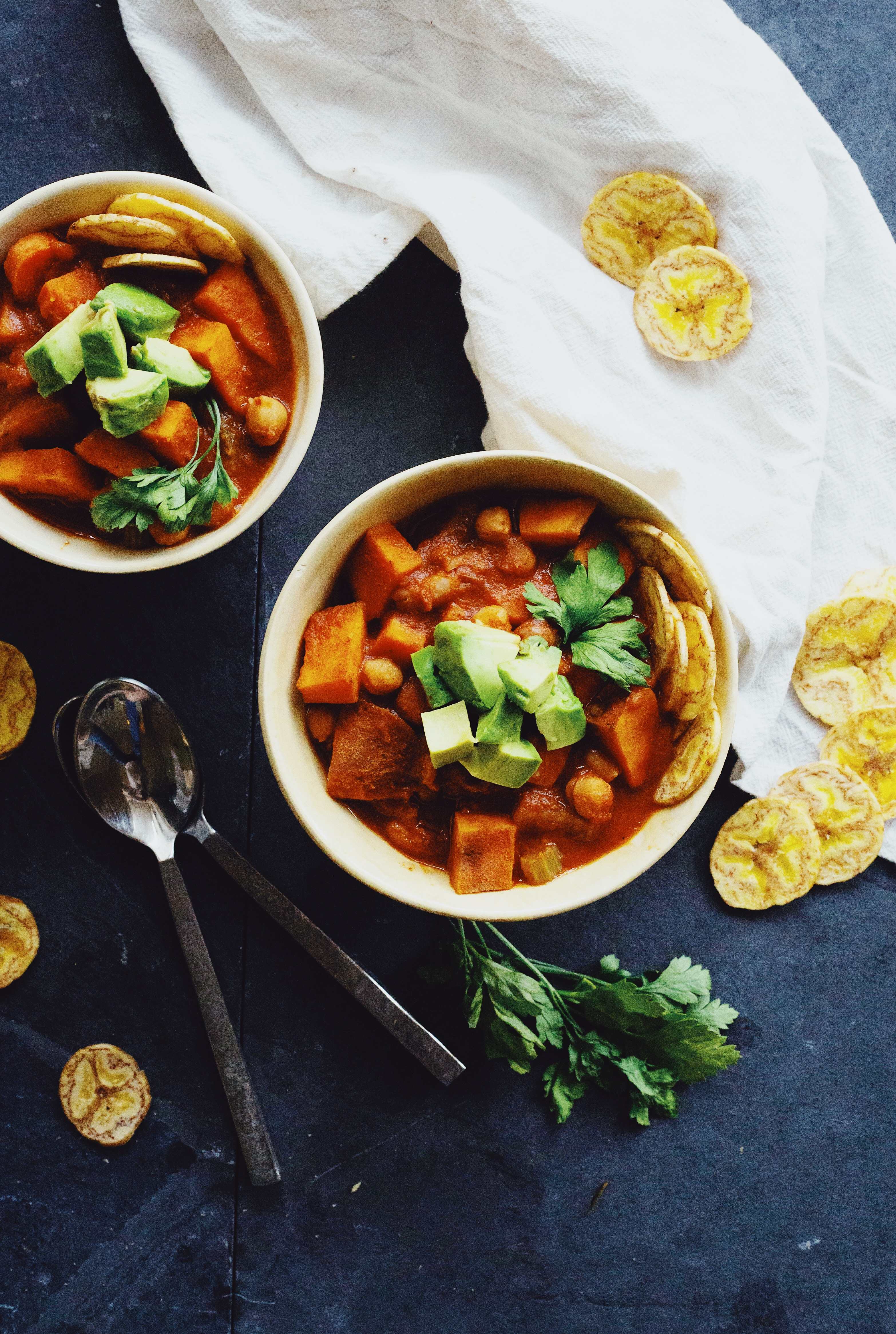Vegan Chili recipe on The Local Sprout food blog