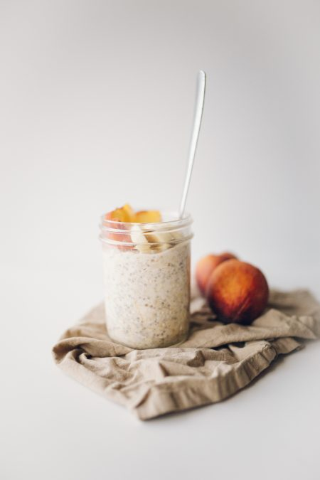 vegan peaches and cream overnight oats recipe